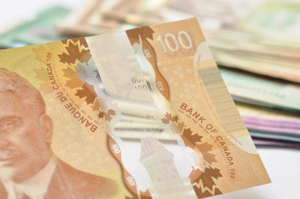 New Canadian plastic 100 dollar
